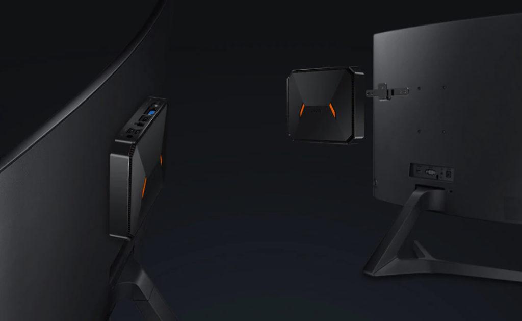 fixation HEROBOX à l'arrière de l'écran